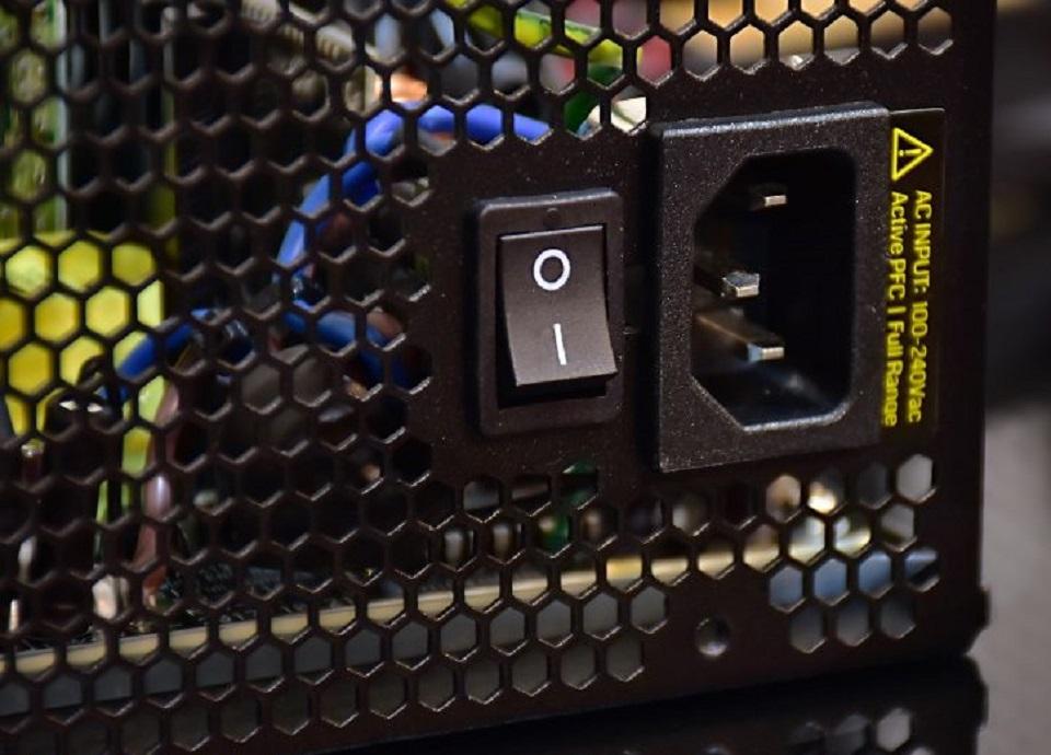 منبع تغذیه کامپیوتر گرین