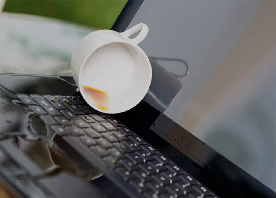 خیس شدن لپ تاپ