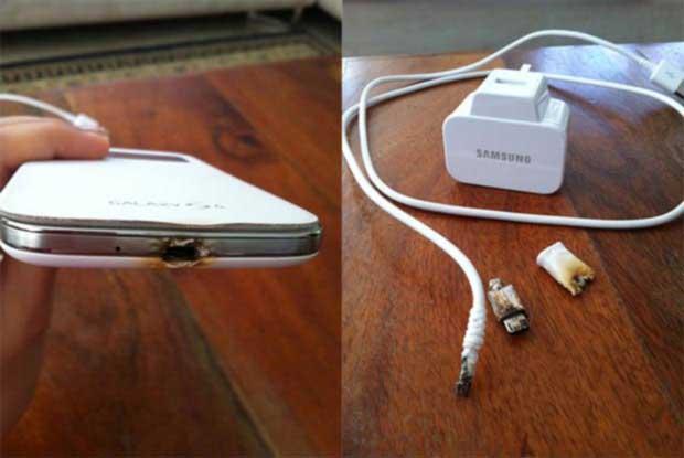 کار با گوشی در حال شارژ