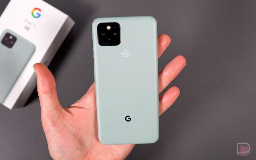 داخل جعبه Google Pixel 5