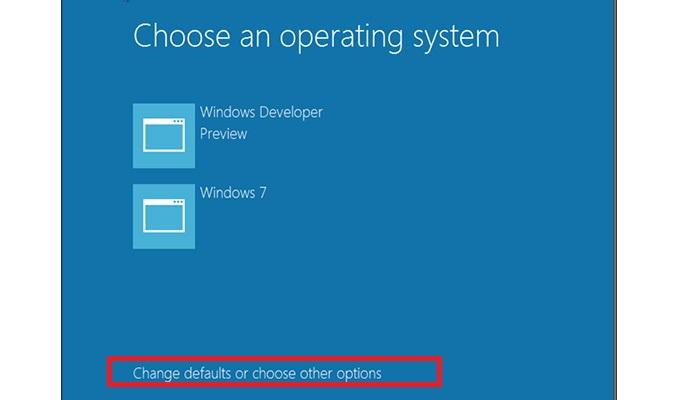 """گزینه """"change default operating system"""" را انتخاب کنید."""